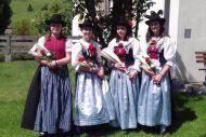 Lena, Lisa, Lara und Linda bei der Fronleichnamsprozession 2018